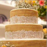 Gâteau mariage Naked Cake avec des dentelles