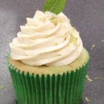Cupcake citron vert garni et couvert à la ganache citron vert