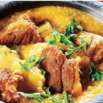 Canjiquinha com costela de porco (Côtes de porc à la creme au maïs