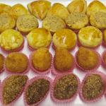 Encas petits pour les occasions spéciales (coxinha, empadinha, kibe, esfiha)