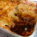 Escondidinho de Carne (boeuf hachée, olive vertes, épices, herbes aromatique, purée de pommes de terre ou mandioc ou inhame)
