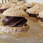 Macaron Noisette / Chocolat