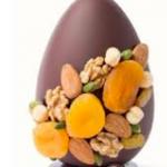 Oeuf de Pâques fouré ganache aux fruits secs: Noix, noisette, pistache, abricots